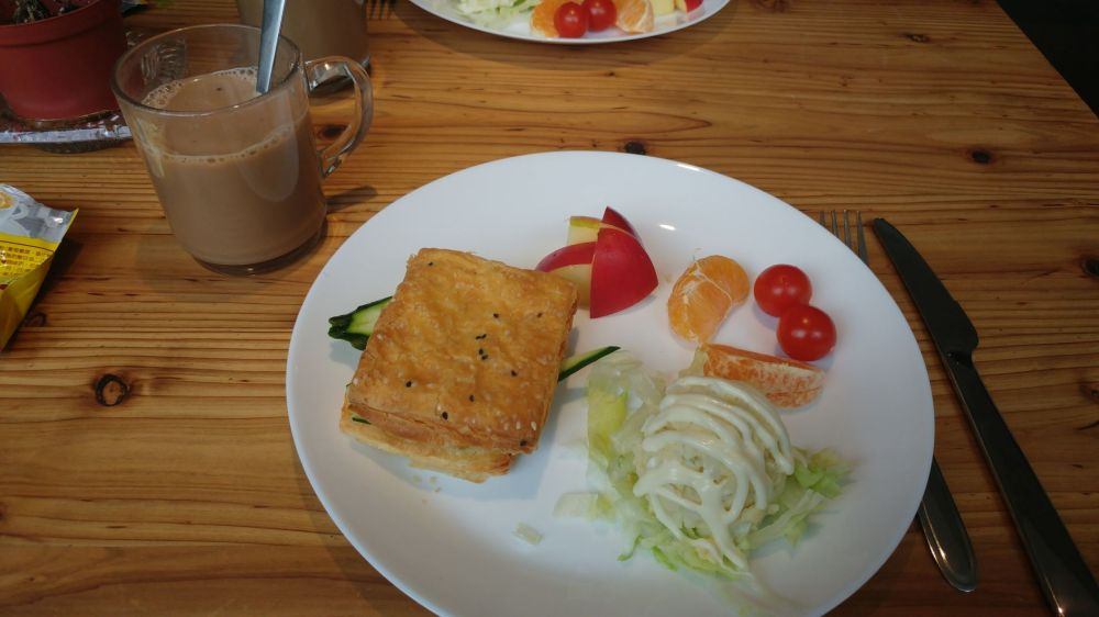 Fertig angerichtetes Frühstück im Star Hotel Taipei Main Station