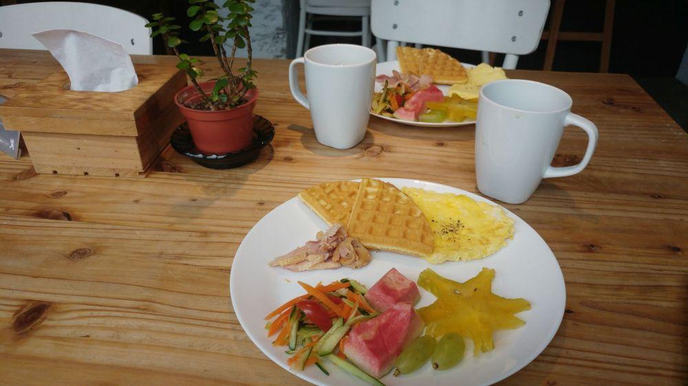 Frühstück mit Waffeln im Star Hostel Taipei Main Station